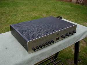 Dumortier Solid State Integrated Amplifier (3)