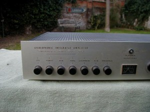 Dumortier Solid State Integrated Amplifier (4)